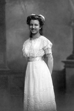 Archduchess Hedwig of Austria (1896-1970). She was was the second daughter of Archduke Franz Salvator of Austria and his wife, Marie Valerie of Austria. She was a granddaughter of Emperor Franz Joseph I and Duchess Elisabeth in Bavaria.