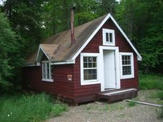 There is available a Bungalow for sale in penobscot county, Pefect location! Hunting all Around! 2 minute walk to Pleasant Lake and great fishing!