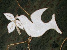 Easy to make Chrismons, Christian ornaments from felt and glitter glue.