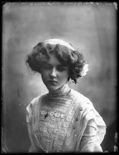 Evelyn Nesbit, circa 1910 - Google Search