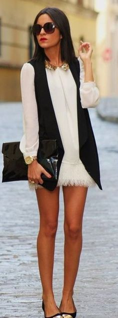 Chalecos largos: El chaleco da mucho estilismo a tu figura, pero tienes que asegurarte que sea largo y de caída libre. No adquieras colores vibrantes o con estampado, procura que sea negro, blanco y liso.