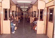 Interior de un vagón de metro de la L-1 Barcelona City, Barcelona Catalonia, Madrid, The Past, Interior, Old Photography, Antique Photos, Cities, Paisajes