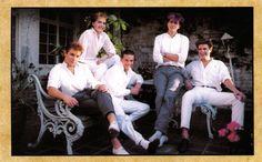 DD fan club Christmas postcard, 1983