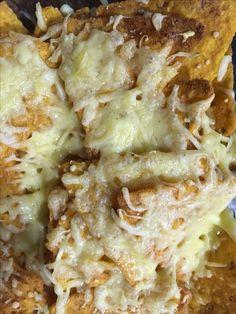 Nacho's uit de Airfryer In dit recept leggen we uit hoe je simpele nacho's uit de Airfryer klaar kunt maken. Met weinig ingrediënten toch een heel lekker tussendoortje of snackje op tafel! Ingrediënten – 1 zak nacho chips cheese smaak – 1 zakje geraspte kaas Hoe maak je nacho's uit de Airfryer klaar? Zet de …
