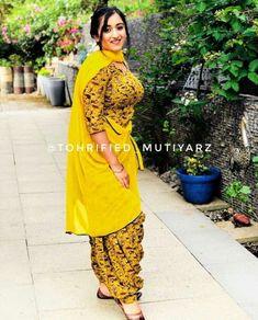 Punjabi Girls, Punjabi Dress, Punjabi Suits, Salwar Suits, Beautiful Girl Indian, Most Beautiful Indian Actress, Dress Indian Style, Indian Dresses, Ladies Kurti Design