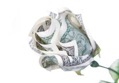 Dollar bill Origami Rose- Year (Flowers, Fruit or Linen) Seth would love this bouquet! Dollar Bill Origami, Money Origami, Diy Origami, Origami Tutorial, Dollar Bills, Origami Flower Bouquet, Money Rose, Money Flowers, Folding Money