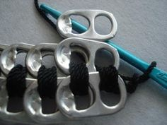 Instructions to make a purse out of pop tabs: The Beginning of the Purse