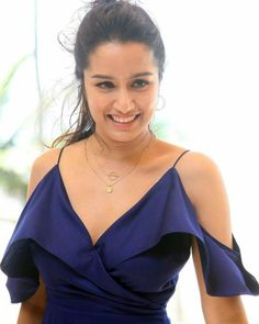 Cute Smile of Shraddha Kapoor Prettiest Actresses, Beautiful Actresses, Sraddha Kapoor, Ranbir Kapoor, Half Girlfriend, Shraddha Kapoor Cute, Western Wear For Women, Bollywood Stars, Bollywood Images