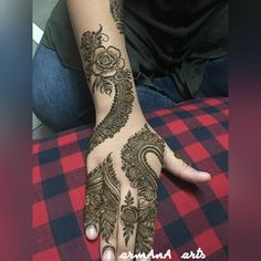 The Importance and Benefits of Mehndi at Traditional WeddingsFor Indian and Pakistani weddings, the celebratio Mehandi Designs Arabic, Mehndi Patterns, Unique Mehndi Designs, Mehndi Designs For Hands, Simple Designs, Mehndi Desine, Hand Mehndi, Mehndi Tattoo, Beautiful Mehndi
