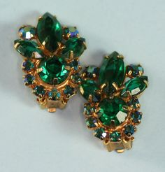 Hey, I found this really awesome Etsy listing at https://www.etsy.com/listing/222800187/juliana-d-e-green-rhinestone-crystal