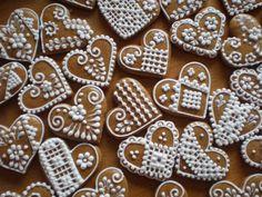 Výsledek obrázku pro svatební perníky Gingerbread Cookies, Desserts, Food, Simple, Gingerbread Cupcakes, Tailgate Desserts, Deserts, Eten, Postres