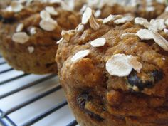 Pumpkin Muffins-Only 121cals per muffin and you can make them with chocolate chips!!