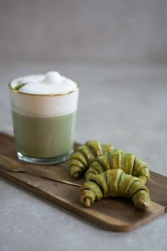 Matcha Croissants and Matcha Latte Matcha, Croissants, Latte, Panna Cotta, Tea, Ethnic Recipes, Inspiration, Food, Biblical Inspiration