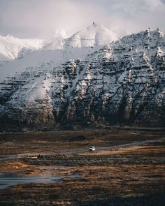 "495 Likes, 39 Comments - Hollie Harmsworth (@hollieharm) on Instagram: ""It was absolutely incredible to spend the start of winter in Iceland. Watching landscapes change…"""