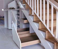 Stauraum unter der Treppe optimal nutzen - Optimal use of storage space under the stairs - the Staircase Storage, Stair Storage, Staircase Design, Under Stairs Storage Drawers, Bedroom Storage, Secret Storage, House Stairs, Stairways, Future House