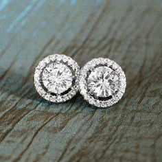 Kate MiddletonInspired Crystal Studs by The Looking Glass Shop on etsy. Many tha… Kate MiddletonInspired Crystal Studs by The Looking Diamond Earing, Diamond Studs, Diamond Jewelry, Diamond Solitaire Earrings, Diamond Heart, Gold Jewellery, Heart Ring, Jewlery, Estilo Lady Like