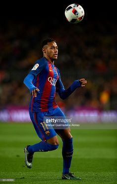 Neymar JR of Barcelona runs with the ball during the Copa del Rey Round of 16 Second Leg match between FC Barcelona and Athletic Club at Camp Nou on January 11, 2017 in Barcelona, Spain.