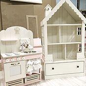 Кукольный домик-стеллаж на 6 комнат с узким комодом - купить или заказать в интернет-магазине на Ярмарке Мастеров | Очаровательный кукольный домик-стеллаж на 6…