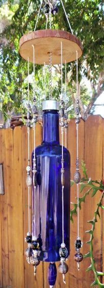 80 Ways to Reuse Your Glass Bottle Ideas 44 – Style Female bottle crafts wind chimes 80 Ways to Reuse Your Glass Bottle Ideas 44 Old Glass Bottles, Glass Bottle Crafts, Wine Bottle Art, Wine Bottles, Perfume Bottles, Carillons Diy, Broken Glass Art, Broken Mirror, Shattered Glass