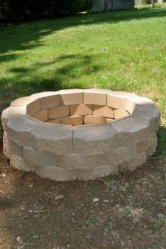 DIY Fireplace Ideas - Back Yard Fire Pit - Do It Yourself Firepit Projects and Fireplaces for Your Yard, Patio, Porch and Home. Outdoor Fire Pit Tutorials for Backyard with Easy Step by Step Tutorials - Cool DIY Projects for Men Fire Pit Landscaping, Fire Pit Backyard, Backyard Patio, Diy Patio, Backyard Ideas, Landscaping Trees, Gazebo Ideas, Fence Ideas, Patio Table