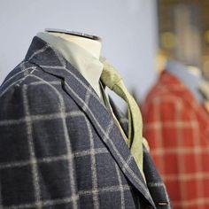Orazio Luciano un Pitti88 #SuitsandShirts #dnasartorial #tailor #sartorial #pitti88 #menswear #fashionblogger #orazioluciano