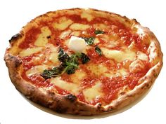 Pizza Margherita from La Pizzeria Brandi, Naples, Italy. Where the first pizza with cheese was invented Pizza Legal, Pizza Napolitaine, Pizza Dough, Pizza Life, Pizza Roma, Pizza Joint, Pizza Party, Italian Dishes, Italian Recipes