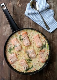 Laksepanne med parmesan Shellfish Recipes, Seafood Recipes, Appetizer Recipes, Norwegian Food, Fish Dinner, Food Is Fuel, Food For A Crowd, Everyday Food, Fish And Seafood