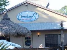 Crackers bar and grill Crystal River florida