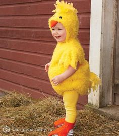 baby chick costume - Only at Chasing Fireflies - Why did the chicken cross the road? To get to the candy on the other side! Your baby chick will look adorable in a fluffy bubble-shaped bodysuit with squishy belly. Duck Costumes, Chicken Costumes, Animal Costumes, Baby Chicken Costume, Toddler Duck Costume, Toddler Halloween Costumes, Halloween City, Halloween Desserts, Halloween Games
