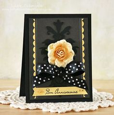 Gorgeous! Black on black with a pop of creamy yellow.