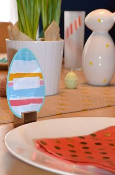 FREE Printable Placecards from Colorwhirl // DIY Easter Placecards