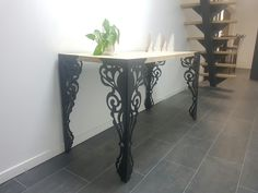 Console metal et bois Pied decoupe chez Prometal Plateau chene Console Metal, Scroll Saw, Entryway Tables, Furniture, Home Decor, Woodwind Instrument, Decoration Home, Room Decor, Home Furnishings