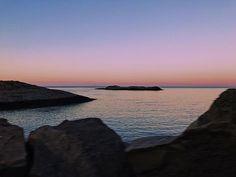 #norway #sunset #lofoten #island #ig_travel #mountains#nikon #nature #naturelovers #clouds#landscape #outdoors #earthpix #visitnorway #horizon#instatravel #beautifulnature#roadtrip#reflection#hamnoy#sunrise#serenity#mountains#sea#waves#rainbow#fishing#travel#magical#hey_ihadtosnapthat . .