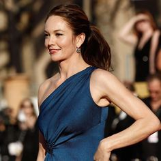 #Cool #HD Wallpapers of #Celebrities & Stars for #iPhone, #iPod & #iPad touch devices https://appsto.re/us/6FGD9.i Latest