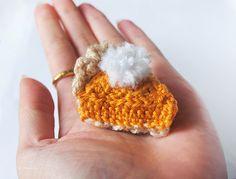 ice pandora: DIY: crochet pumpkin pie - make into a magnet? Thanksgiving Crochet, Crochet Fall, Holiday Crochet, Crochet Gifts, Diy Crochet, Crochet Toys, Crochet Ideas, Thanksgiving Crafts, Crochet Tutorials