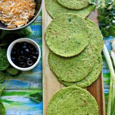 These grain free keto spinach tortillas taste as good as they look, low carb at 2 net carbs, Made with almond flour, raw spinach. Corn Recipes, Steak Recipes, Gluten Free Recipes, Keto Recipes, Candida Recipes, Dinner Recipes, Southern Fried Corn, Stabilized Whipped Cream, Gluten Free Biscuits