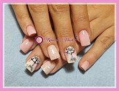 #Uñas #acrílicas #glitter #nails #acrilycnails #uñasbellas #uñasacrilicas #nails #pink #atrapasueños #white #glitter #glam #glamour #naturalnails