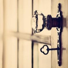 love antique keys and clear doorknobs. Love This!