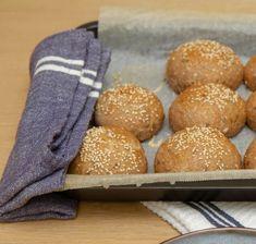 Kaldhevede rundstykker til frokost Hamburger, Food And Drink, Hamburgers