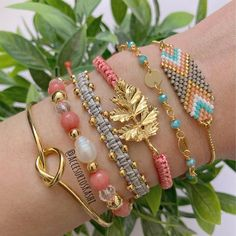 Jewelry Box, Jewelry Accessories, Bangles, Beaded Bracelets, Brick Stitch, Beading Tutorials, Baby Knitting Patterns, Handmade Jewelry, Rose Gold