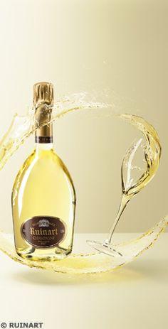 Een fles champagne van Ruinart, het oudste champagne merk ter wereld is altijd een goed cadeau-idee!