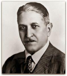 José Wasth Rodrigues (São Paulo, 19 de março de 1891 - Rio de Janeiro, 21 de abril de 1957) foi um pintor, desenhista, ilustrador, ceramista, professor e historiador brasileiro. http://sergiozeiger.tumblr.com/post/114068615698/jose-wasth-rodrigues-sao-paulo-19-de-marco-de Estuda com Oscar Pereira da Silva (1867 - 1939), entre 1908 e 1909, em São Paulo. Em 1910, como pensionista do governo do Estado, viaja para Paris. Matricula-se na Académie Julian, onde estuda com Jean-Paul Laurens (1838…