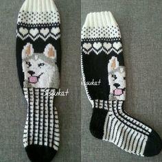 Kuvahaun tulos haulle kettu sukat lapselle Knitting Socks, Diy And Crafts, Geek Stuff, Slippers, Knitting Tutorials, Crochet, Spinning, Knits, Knit Socks