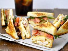 Prepara tu propio sándwich club de pollo en casa. ¡El sándwich que está más de moda!