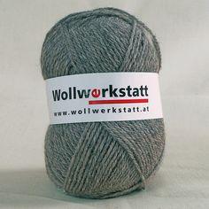 Strickwolle aus 100% Schafschurwolle, für Nadelstärke 3-4, Lauflänge ca. 170 m, 100 gin Merinoqualität   Zur Herstellung unserer Strickwolle werden je zur Hälfte Österreichische und Portugiesische Wollen verwendet.   Die...