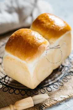 """Shokupan is Japanese Milk Bread and has a fluffy and """"Mochi"""" like texture. This is the best Shokupan recipe for Japanese food lovers and bakers. Discover how to make Super soft Japanese milk bread with the """"Yudane"""" method. This method guarantees soft texture and stays moist for longer than ordinary bread. #Shokupan #Japanesemilkbread #bread #Japanesebread #yudane Japanese Street Food, Thai Street Food, Indian Street Food, Japanese Food, Japanese Potato, Japanese Gyoza, Japanese Sweets, Milk Bread Recipe, Bread Recipes"""