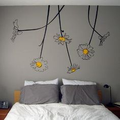 Love the flowers painted on the wall! I could do that!                                                                                                                                                      More