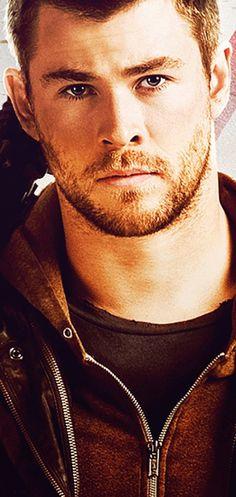 Chris Hemsworth.. Red Dawn...