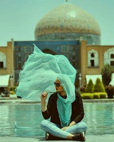 "1,718 Likes, 28 Comments - اصفهان عکس (@isfahanaks) on Instagram: "". من به هوایی که تویش نفس میکشی هم حسادت میکنم، به آن چهارخانه هایِ آبی و سورمه ای که هر روز در…"""