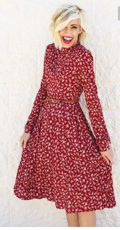 Love love love this long sleeve red floral dress with red lipstick! Want! Stitch fix 2016. Stitch fix fall 2016. Stitch fix winter 2016. Fall fashion trends and inspiration.